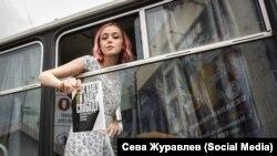 Ольга Точеная, задержанная в Махачкале. Она стала символом митинга 12 июня