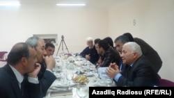 İcra başçısı Rafil Hüseynov, jurnalistlərlə görüşür, 17 aprel 2013