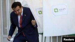 """""""Согласны ли вы, чтобы президента выбирал парламент?"""" – этот вопрос становится актуальным в преддверии истечения президентского срока Михаила Саакашвили"""