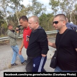 Звільнення з полону бойовиків українських в'язнів Жемчугова і Супруна