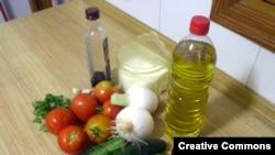 "Ингредиенты для супа гаспачо, одного из блюд средиземноморской диеты. <a href = ""http://es.wikipedia.org/wiki/Imagen:Gazpacho_ingredients.jpg"" target=_blank>Wikipedia</a>"
