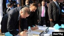 Ильхам Алиев и Реджеп Эрдоган подписывают соглашение по проекту Petkim, Измир, 25 октября 2011