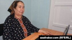 Azatlyk Radiosynyň Türkmenistandaky habarçysy Soltan Açylowa.