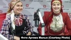 Урок удмуртского, в радиоэфире Алина Чернова и Августина Михайлова.