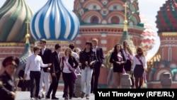 Выпускники московских школ на Красной площади
