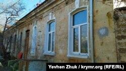 Тыльная сторона дома по улице Инженерная балка, 7