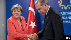 ԳԴՀ կանցլեր Անգելա Մերկել և Թուրքիայի նախագահ Ռեջեփ Էրդողան, արխիվ