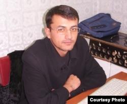 Умаралии Сафаралӣ, таҳлилгари тоҷик