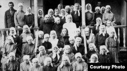 Община в 20-е годы, в центре Понтий Рупышев