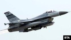 Јужнокорејски авион КФ-16 со истрели го предупредил рускиот борбен авион дека го нарушил јужнокорејскиот воздушен простор