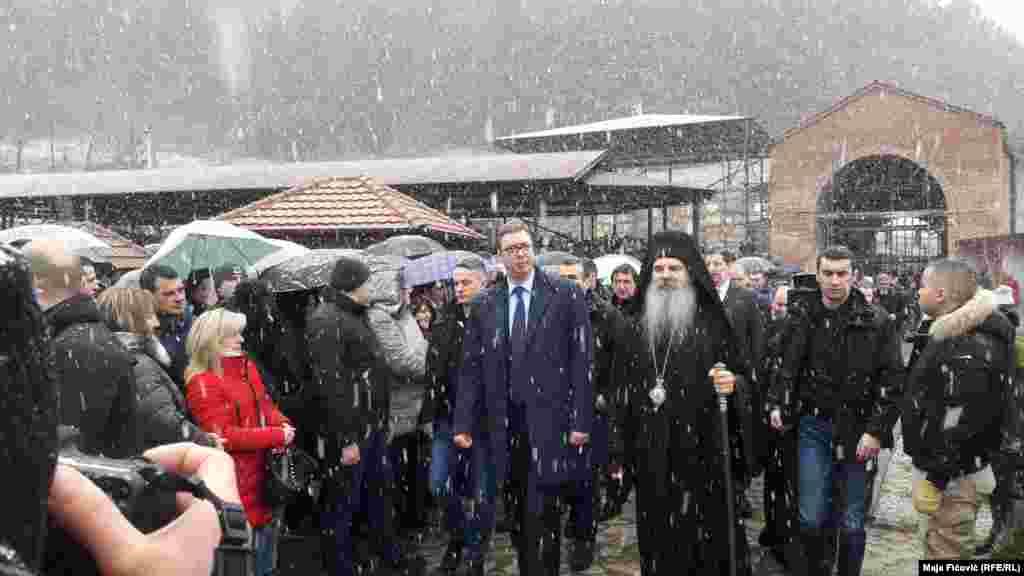 Presidenti i Serbisë, gjatë vizitës në Manastirin e Banjskës, në veri të Kosovës.