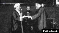 مراسم تنفیذ حکم ریاست جمهوری اکبر هاشمی رفسنجانی در سال ۱۳۶۸.