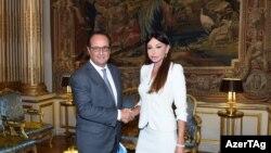 Меҳрубон Алиева дар сафараш ба Париж рӯзи 3 сентябр бо президент Франсуа Оллан ҳам мулоқот кард
