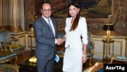 France -- Azerbaijan's First Lady Mehriban Aliyeva meets with president François Hollande - 03Sep2015