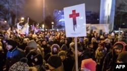 Про-абортус протести во Варшава.