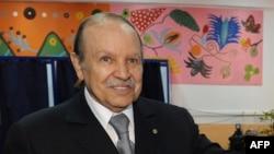 Алжирскиот претседател Абделазиз Боутефлика