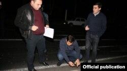 Следователи работают на месте преступления (фотография Следственного комитета)