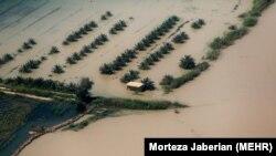 تصویر هوایی از مناطق سیلزده در خوزستان؛ ۱۱ روستای حاشیه کرخه و دز تخلیه شدهاند.