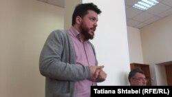 Леонид Волков и его адвокат Владимир Бандура в новосибирском суде