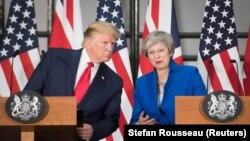 ABŞ-nyň prezidenti Donald Tramp Britan premýer-ministri Tereze Meý bilen metbugat ýygnagynda. 4-nji iýun, 2019. London.