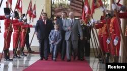 Коля Лукашенко на приеме в Каракасе