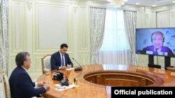 Президент Шавкат Мирзиёев ва Европа тикланиш ва тараққиёт банки президенти Сума Чакрабарти.