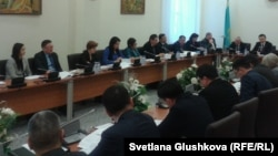 Рабочая группа парламента по обсуждению нового уголовного кодекса. Астана, 23 января 2014 года.