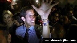Վենեսուելա - Ընդդիմության առաջնորդ Խուան Գուայդոն ողջունում է աջակիցներին, Կարակաս, 2-ը ապրիլի, 2019թ․