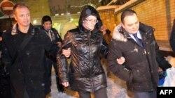 """Светлана Давыдова у ворот тюрьмы """"Лефортово"""", 3 февраля 2015 г"""