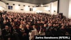 На внеочередном съезде партии 10 октября за Алана Тадтаева проголосовали 272 из 300 делегатов
