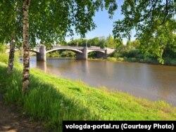 Вид на Октябрьский мост до бетонирования