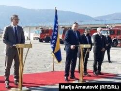 Predsjednik Srbije Aleksandar Vučić s članovima Predsjedništva BiH na sarajevskom aerodromu, 2. mart, 2021.