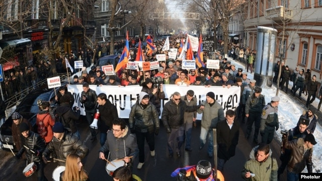Armenia - Armenians demonstrate against controversial pension reform, Yerevan, 18Jan2014.