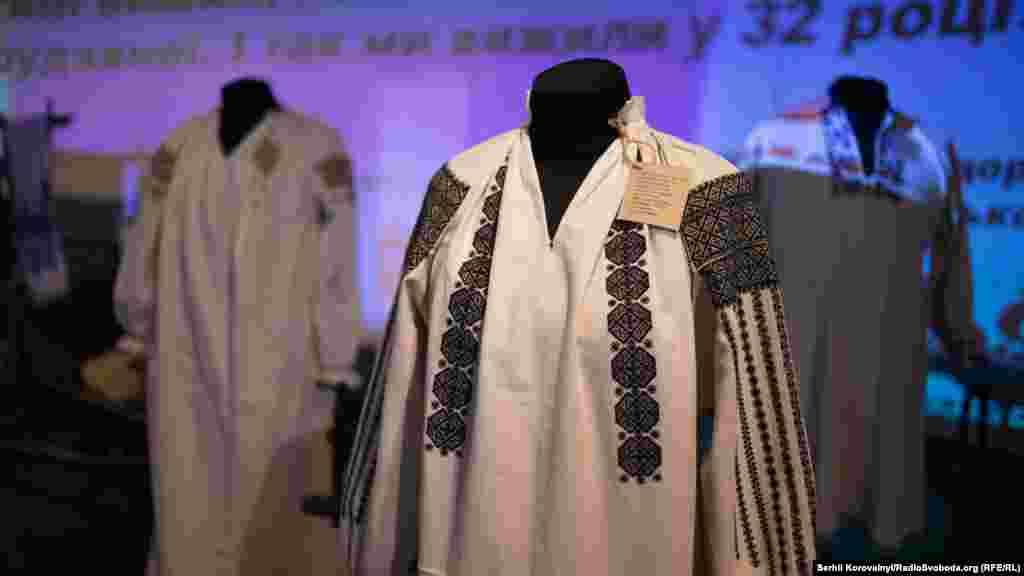Жіноча весільна сорочка першої третини ХХ століття, село Хоменки, Вінницька область