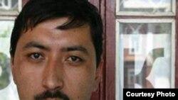 Jamshid Muxtorovni taniganlar, u AQShdan siyosiy boshpana olgunga qadar diniy qarashlari zaif bo'lganini aytmoqda.