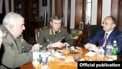 Armenia - Seyran Ohanian (R), Armenian Minister of Defence, Valery Gerasimov (C), Chief of Russian Armed Force's General Staff, and Yuri Khachaturov, Chief of Armenian Armed Force's General Staff, meet in Yerevan,15Feb,2013