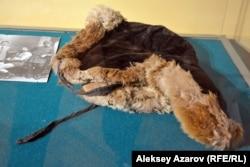 Қазақстанның орталық мемлекеттік музейінде тұрған Қажымұқанның тымағы. Алматы, 25 қаңтар 2017 жыл.