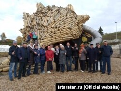 Василь Гиззатуллин и Хази Файзрахманов стоят рядом