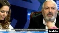 """Rusiyanın 1-ci kanalında """"Dojd"""" televiziyasının qalmaqallı proqramından kadr"""