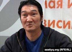Казахстанский певец-рэппер Такежан. Алматы, 27 августа 2011 года.