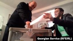 Gürcüstanda parlament seçkisi