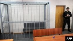 Суд продлевал арест полицейским четыре раза, однако до приговора дело не дошло, следствие продолжается