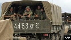 Грузиядан қайтып келе жатқан ресейлік әскерилер. Рухи, 22 тамыз 2008 жыл.