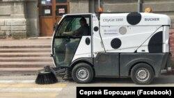 Уборка улиц в Керчи накануне возможного приезда Владимира Путина