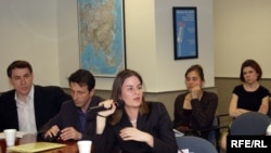 Цхьаьнатоьхна Штаташ -- Ива Славич; Боьлху Малх: Нохчийчура Лаьмнашкахь ТIамо Бина ТIеIаткъам кино гайтар а иза йийцаре яр а, Вашингтон, 25 Оха-бутт2007