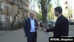 Вийшовши із НАБУ, Кононенко відмовився коментувати ситуацію і порадив звернутися до його прес-служби