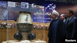 Prezident Hassan Rouhani Tehranda kosmik texnologiyalar sərgisində.