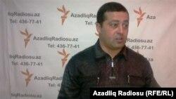 Азербайджанский журналист Эльчин Исмаиллы.