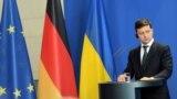 Володимир Зеленський під час преконференції з Ангелою Меркель. Берлін, 18 червня 2019 року