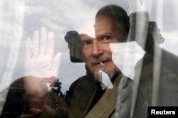 Eduard Limonov polis tərəfindən saxlanıb. O, toplaşmaq azadlığının müdafiəsi ilə bağlı aksiyada iştirak etdiyi üçün tutulub, 31 may 2013